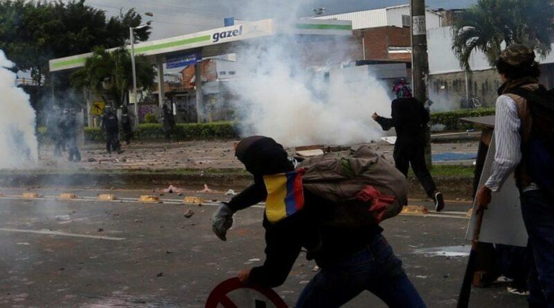 De una reforma tributaria a la represión policial, ¿qué está pasando en Colombia?