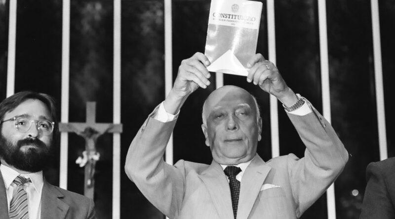 La Constitución Federal de 1988 y la política exterior brasileña: paradojas e incoherencias
