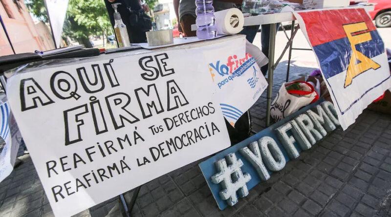"""Perspectiva Latinoamericana   """"Crece desde el pie"""": El referéndum contra las reformas del gobierno de Lacalle Pou"""
